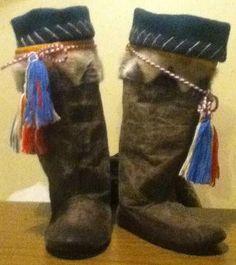 Inuit made sealskin kamiks by Ida Pikuyak