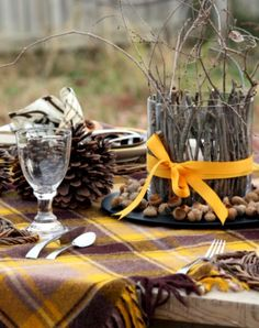 This looks like it would be a beautiful fall picnic.