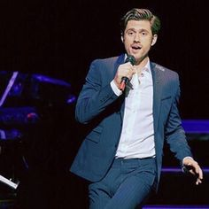 How much I wish I was in Australia right now. #aarontveit #defyinggravity