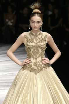 Alexander McQueen, Gold dress. 'The Girl Who Lived in a Tree' Autumn/Winter 2008.