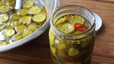 Food Wishes Video Recipes: Bread & Butter Pickles Potensiell julegave? Bread & Butter Pickles, Bread N Butter, Chutneys, Depression Era Recipes, Sweet Pickles, Spicy Pickles, Canning Pickles, Food Wishes, Most Delicious Recipe
