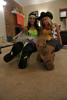 DIY Halloween costume Woody and Buzz college Toy Story