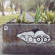 PROGETTO Osserva[t]tore: [os-ser-va(t)-tó-re]  s.m. (pl. m. -ri; f. -trice, pl. -ci) Colui che guarda, esamina con attenzione interpretando una parte in uno spettacolo: o. di prosa, o. cinematografico, o. drammatico, o. comico, o. della realtà. 2º intervento by @pepecoibermuda #streetartparma #igersparma #unofficialstreetart #streetphotography #pepe #streetart #graffitiparma #pepecoibermuda Street Art Utopia, Graffiti, Instagram Posts, Graffiti Artwork, Street Art Graffiti