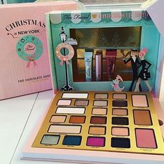 All i want for Christmas its you #toofaced #toofacedcosmetics #toofacedpalette #makeup #makeuppalette #makeuplife #beautyblogger #beautyaddict #makeuplove