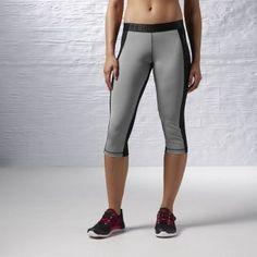 Las ligeras mallas #Reebok Mallas #Workout Capri se sienten como una segunda piel, su tejido ligero y stretch se acomoda perfectamente a tu cuerpo brindándote una excelente movilidad sin sensación de peso extra.