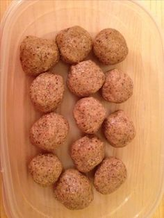 Peanut Butter Protein Balls Recipe! Slow carb/low carb.  I'm not a huge peanut butter fan, but as the author says, you can only eat so many eggs.