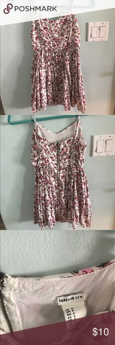 Forever 21 Floral Dress super cute forever 21 floral dress. lightly worn. it is on the shorter side. has a zipper down the back. perfect for summer and spring!!! fits more like an xs since so short, but the top part fits a small. Forever 21 Dresses Mini