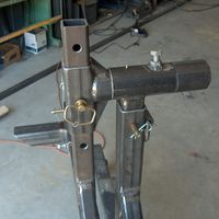 body support pivot photo by rmccartney Garage Tools, Car Tools, Garage Shop, Garage Workshop, Metal Projects, Welding Projects, Metal Work Bench, Welding Cart, Welding Shop