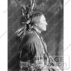 Charging Thunder, a Sioux Indian from Buffalo Bill's Wild West Show. Gertrude Kasebier Photography [ca. Native American Pictures, Indian Pictures, Native American Tribes, Native American History, Sioux Nation, Sioux Tribe, Wild West Show, Native Indian, Indian Man