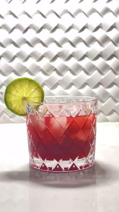 Alcoholic Drinks Recipes With Vodka, Vodka Cocktails, Easy Cocktails, Martinis, Summer Cocktails, Drink Recipes, Pomegranate Vodka Cocktail, Pomegranate Juice, Cocktail Ideas