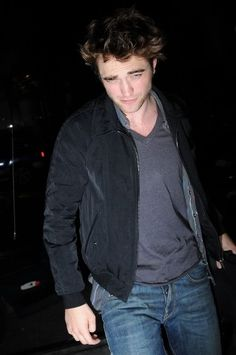 Rob Pattinson out in NYC - June 2009