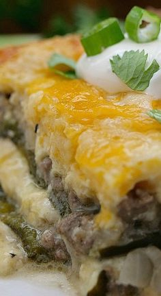 Chile Relleno Casserole - Great Grub, Delicious Treats Ground Beef Chile Relleno Casserole is full of delicious flavor from the smokey Poblano peppers, 3 types of cheese and seasoned ground beef. Mexican Dishes, Mexican Food Recipes, Beef Recipes, Cooking Recipes, Stuffed Chili Relleno Recipe, Chili Relleno Casserole, Hamburger Meat Dishes, Sweet Potato Veggie Burger, Cinco De Mayo