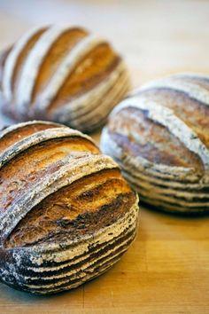 Honung | Recept.se Sourdough Bun Recipe, Sourdough Bread, Wine Recipes, Bread Recipes, My Daily Bread, Spoon Bread, Honey Bread, Bread Art, Baking Company