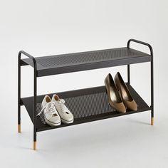 Banc, range-chaussures AGAMA environ 8 paires La Redoute Interieurs : prix, avis & notation, livraison.  Banc, range-chaussures en métal perforé avec 2 niveaux de rangement soit environ 8 paires de chaussures. Il est idéal à installer dans un placard. Piètement en métal et hévéa. 2 plateaux perforés. Etagère du bas incliné.Dimensions :Longueur : 83 cmHauteur : 52 cmPlateaux : 83 x 30 cm