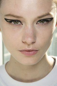 London Fashion Week Spring 2014 Beauty Looks | OurVanity.com. Hot Beauty News & Tips