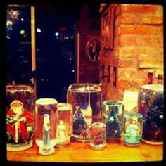 taylorswift : Home made snow globes with friends. The whole fleet! 28 NOVEMBER 2011
