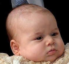 Here's a close up of the handsome #PrinceGeorge in all his glory! RT @HuffPostUKPics