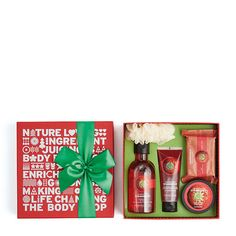 Satisfy their love of all things sweet with our Strawberry gift set. Wildly juicy, this collection of bath and body treats is the perfect pick to please them this Christmas Christmas Gift Guide, Christmas Gifts, Diy Presents, The Body Shop, Gift Packaging, Bath And Body, Strawberry, Skin Care, Holiday Decor