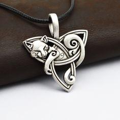 1pcs Men's Large Viking Jewelry Fox Triquetra Fenrir Animal Teen Wolf Necklace Irish Celtics Knot Pendant Amulet Necklace CT526(China (Mainland))