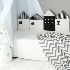House-shape pillow set for kids room decor Nursery Decor, Wall Decor, Room Decor, Sweet Home, Bedroom Images, Cute Home Decor, Kids Room Design, Pillow Set, Kids Bedroom