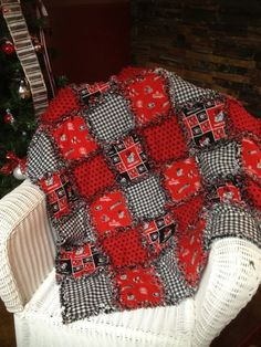 Georgia Bulldog Rag Quilt by GracieParkerDesigns on Etsy, $79.00