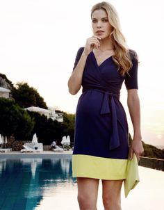 #Robe de #maternité bleue et jaune #Seraphine pour un look chic et coloré parfait pour vos #soirées d'été: http://www.seraphine.fr/robe-de-grossesse-portefeuille-marine-jaune.html