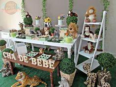 Chá de Bebê Safari: Surpreenda-se Com Essas Ideias de Decoração Jungle Party Decorations, Safari Theme Party, Safari Birthday Party, Gold Birthday, 1st Boy Birthday, Jungle Theme, Fiesta Baby Shower, Baby Boy Shower, Baby Showers