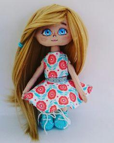 Textildocka  Fabric doll #doll #docka #leksak #toy #diy #handmade #design #interior   Instagram _olydolly_
