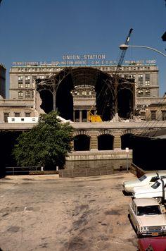 Demolition of Chicago's Union Station 1969 Union Station Chicago, Chicago City, Chicago River, Chicago Pictures, Chicago Neighborhoods, Most Beautiful Cities, Illinois, The Neighbourhood, Travel