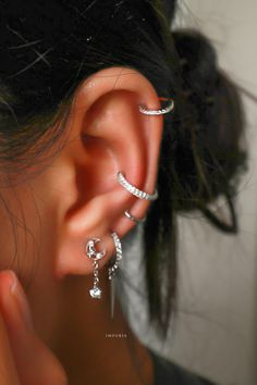 Pretty Ear Piercings, Ear Piercings Chart, Piercing Chart, Eye Piercing, Cute Ear Piercings, Piercings For Girls, Ear Piercings Cartilage, Mouth Piercings, Piercing Ideas