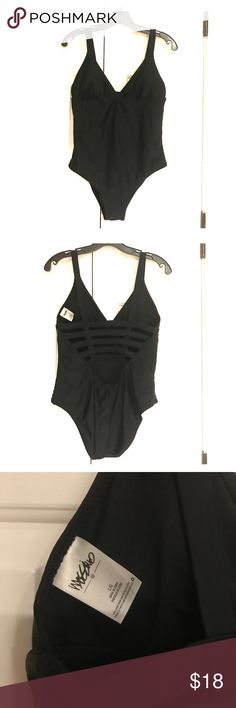 Mossimo one piece swimsuit Very slimming and sexy cut out - padded cups Mossimo Supply Co Swim One Pieces