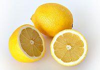 Cómo usar el limón para bajar los triglicéridos.  http://www.abajarcolesterol.com/como-usar-el-limon-para-bajar-los-trigliceridos/#more-8075