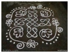 Rangoli Rev's chikku kolam 59. 8 dots 2 lines end with 2 dots. | www.iKolam.com