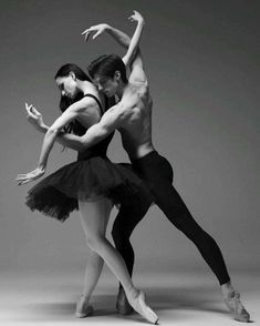 Ideas for dancing poses reference ballet dancers Ballet Art, Ballet Dancers, Ballerinas, Shall We Dance, Just Dance, Ballet Photography, Couple Photography, Modern Dance Photography, Passion Photography