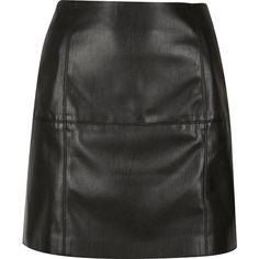 River Island Black leather-look mini skirt (3.945 RUB) ❤ liked on Polyvore featuring skirts, mini skirts, black, women, black faux leather skirt, black miniskirt, a line skirt, short skirts and faux leather skirt