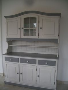 dresser Source by sofilegeay Kitchen Larder, Kitchen Dresser, Kitchen Paint, Kitchen Cabinets, Decoupage Furniture, Upcycled Furniture, Painted Furniture, Diy Furniture, Hutch Makeover