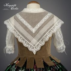 Margarita Vercher Period Costumes, Heirloom Sewing, Folk Costume, Antique Lace, Fashion History, Couture, African Fashion, Beautiful Outfits, Vintage Outfits