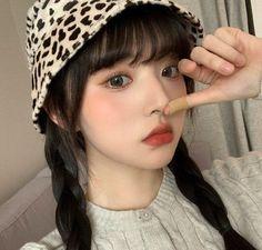 Cute Makeup Looks, Girls Cuts, Korean Aesthetic, Aesthetic Women, Ulzzang Korean Girl, Uzzlang Girl, Ethereal Beauty, Asian Makeup, Girl Photography Poses