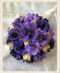 Colour Paper Flowers #papercraft #paperflowerbackdrop #paperflowers. Paper Flower Bouquet Colour Paper Flowers, Fabric Flowers, Flower Decorations, Wedding Decorations, Paper Dahlia, Boutonnieres, Creative Decor, Bridal Bouquets, Garlands