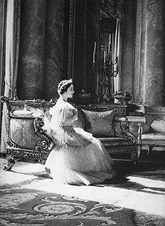 Queen Elizabeth (later the Queen Mother).