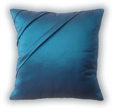 Peacock blue...my favorite.  I am thinking of these to go with my bedroom set.