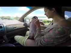 Filmée par son mari, une femme accouche dans sa voiture