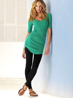 Tunics To Wear With Leggings. Want! Don't like the color but love the style.
