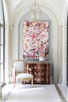 Art at Home. Beautiful interior by J. Randall Powers featuring an century French chest, an reproduction chair by century design great Michael Taylor, lantern by Visual Comfort and that gorgeous painting, by I believe is Cecily Brown. Visual Comfort, Texas Mansions, Interior Inspiration, Design Inspiration, Morning Inspiration, Daily Inspiration, Sweet Home, Interior Decorating, Interior Design