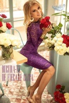Rochie trei sferturi din dantela si margele la spate este o rochie sexy, eleganta