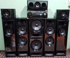 how to make music light show? here in this post, we can learn how to make music light for our amplifier. Hifi Stereo, Hifi Audio, Hi Fi System, Light Music, Speakers, Retro, Box, Sony Electronics, Dashboards