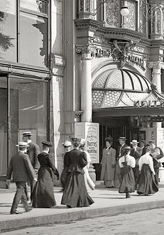 librar-y - Entrance to Keith's Theatre, Boston, with poster for the Fadettes, an all-women orchestra, 1906 - Antique Photos, Vintage Pictures, Vintage Photographs, Old Pictures, Old Photos, Fotografia Retro, Historical Pictures, Black And White Photography, Street Photography