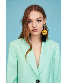 Image 2 of EARRINGS WITH DANGLING FLOWERS from Zara