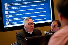 CNS STORY: US bishops, Catholic bloggers discuss how tweets, blogs help evangelize