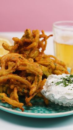 Now the party don't start 'till I bhaji in... We'll see ourselves out. Onion Bhaji Recipes, Indian Appetizers, Appetizer Ideas, Paneer Dishes, Diwali Food, Chaat Recipe, Easy Party Food, Vegetarian Snacks, Cooking Recipes